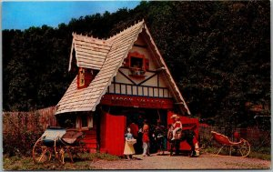 Milford, Pennsylvania Postcard MOON VALLEY GAME FARM and WONDERLAND c1950s