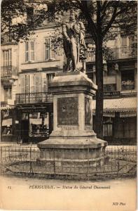 CPA PÉRIGUEUX-Statue du Général Daumesnil (233583)