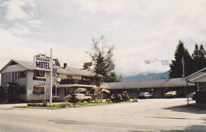 [BC] Swiss Chalet Motel , REVELSTOKE , B.C. , Canada , 1950-60s