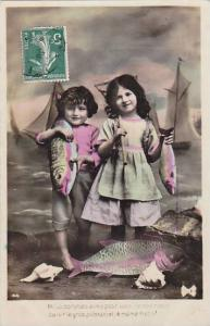 1er Avril April Fool's Day Young Children With Fish