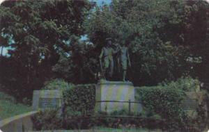Missouri Tom and Huck Statue At Cardiff Hill