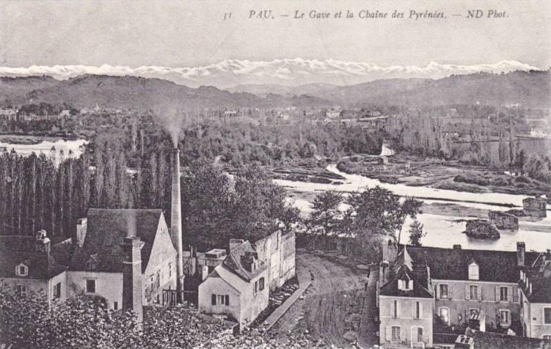Pau (Pyrénées-Atlantiques), France, 1900-1910s ; Le Gave et la Chaine des P...