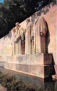La Groupe central du Monument International de la Reformation Switzerland Wri...
