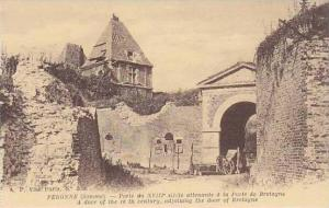 France Peronne Porte du XVIII siecle attenante a la Porte de Bretagne