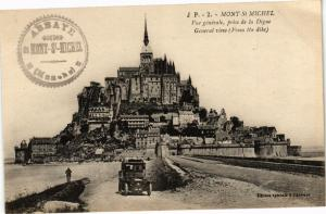 CPA  Mont-St-Michel - Vue générale,prise de la Digue -General view ... (246225)