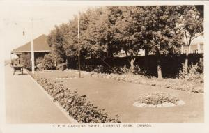 RP: SWIFT CURRENT , Saskatchewan , Canada , 1947 ; C.P.R. Gardens