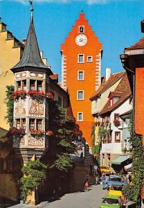 Meersburg am Bodensee Obertor mit Gasthof Baeren Pension Auto Cars