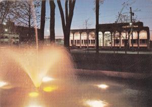 Fountain, Le Palais de Justice, en face du parc Dessaulles, Saint-Hyacinthe L...