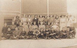 RP: PRINCETON , Illinois , 00-10s ; School Students (1 black)