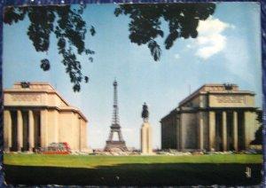 France Pairs Place du Trocadero Statue Equestre du Marechal Foch - posted 1975