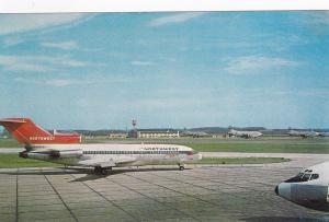 PITTSBURGH , Pennsylvania , 50-60s; Airplane at Airport