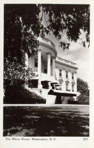 RP: WASHINGTON D.C. , 30-40s ; The White House