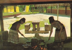 Cooking Indian Style Miccosukee Indians Tamiami Trail Florida Postcard