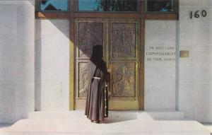 Entree principale Bronze repousse de M. Albert Gilles, Commissariat de Terre-...