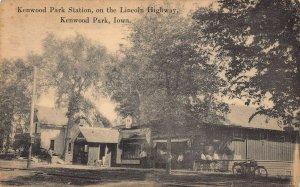 LPS36 CEDAR RAPIDS Iowa Kenwood Park Station on Lincoln Highway Postcard