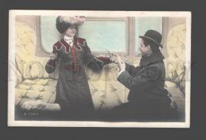 085844 Pretty LOVERS in Compartment TRAIN Vintage PHOTO #5