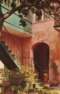 Louisiana New Orleans Maison Montegut Courtyard