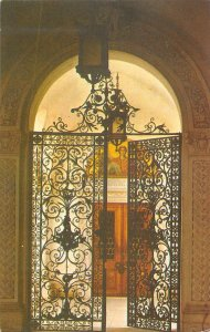 B110596 Russia The Great Livadia Palace Gate Entrance