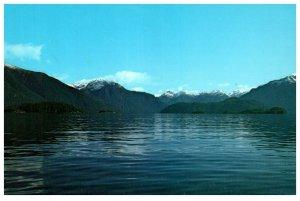 NEW ZEALAND Postcard - Lake Manapouri (C13) Continental Size