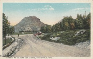 THERMOPOLIS, Wyoming, 1900-10s;  Driveway at Big Horn Hot Springs