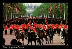 CPM H.M. Queen Elizabeth II Trooping the Colour, BRITISH ROYALTY (765902)
