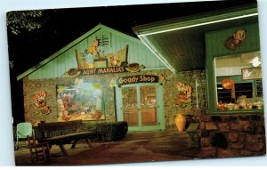 Aunt Mahalia's Candy Goody Shop 645 Parkway Gatlinburg TN Vintage Postcard E14