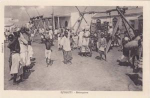 Djibouti , 00-10s ; Balancoires