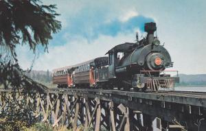 Train SAMSON , Duncan , B.C. , Canada , 50-60s