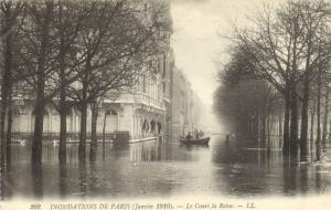 CPA PARIS 8e (Dep.75) - Inondations de Paris - Cours la Reine - LL.202 (64340)