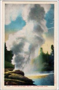 Riverside Geyser, Yellowstone Park