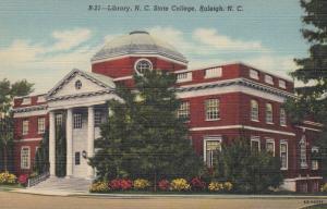 RALIEGH , North Carolina , 30-40s ; Library , N.C. State College