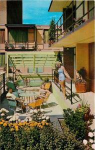 Minneapolis Minnesota~Curtis Motor Lodge~Bathing Beauties on Patio~1958 Postcard