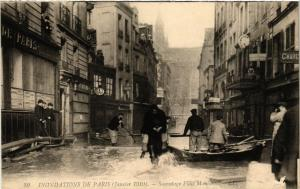 CPA PARIS Sauvetage Place Maubert INONDATIONS 1910 (606153)