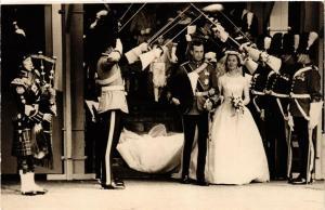 CPA Wedding Duke and Duchess of Kent 1961 BRITISH ROYALTY (679612)