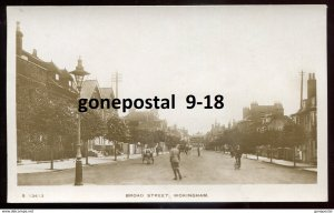 dc1740 - ENGLAND Wokingham 1910s Broad Street. Real Photo Postcard