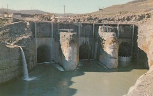 HUDSON HOPE , B.C. , 50-60s; New Dam