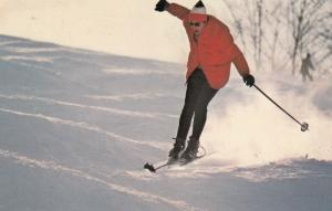 SKIING , Sherbrooke , Quebec , Canada , PU-1985 ; Holiday Inn