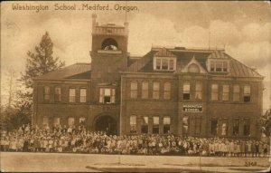 Medford OR Washington School & Students c1910 Postcard