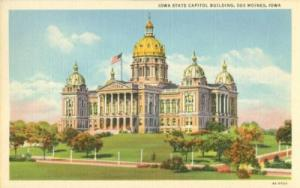 Iowa State Capitol, Des Moines, Iowa  unused linen Postcard