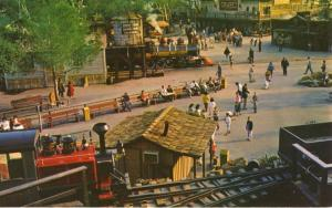 Calico Square Knott's Berry Farm Buena Park CA Calif Knotts Tourists Postcard E1
