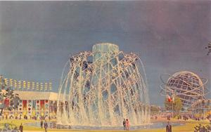 NEW YORK WORLDS FAIR~THE ASTRAL FOUNTAIN~5600 GALLONS PER MINUTE POSTCARD 1964