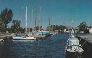 The Belleville Harbour and Yacht Club,  Belleville,  Ontario,  Canada,  40-60s