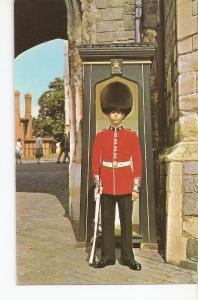 Postal 032112 : A Sentry at Henry VIII Gateway Windsor