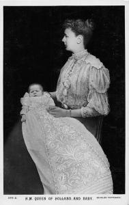 Royalty H.M. Queen Wilhelmina of Holland and baby 1909