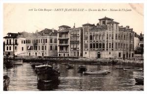 Saint-Jean-de-Luz La Cote Basque  Un coin du Port, maison de l'in...