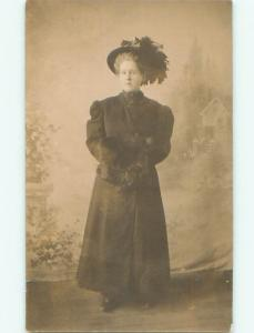 rppc Pre-1915 Fashion WOMAN WEARING FASHIONABLE HAT WITH HAND WARMER AC8425