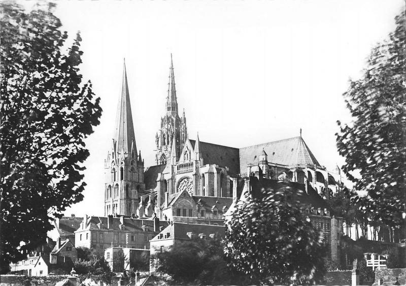 BT5569 Chartres la cathedrale      France