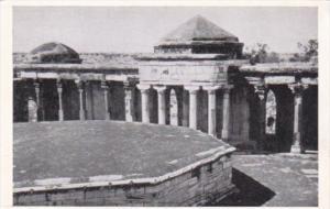 India Delhi Sultan Ghari's Tomb