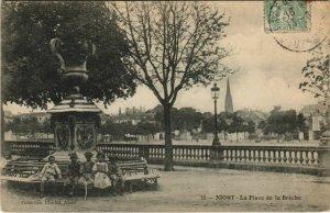 CPA NIORT La Place de la Breche (1140459)