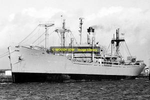mc0315 - American Cargo Ship - Lt James E Robinson , built 1944 - photo 6x4